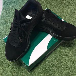 ⭐️ New PUMA black sneakers ⭐️